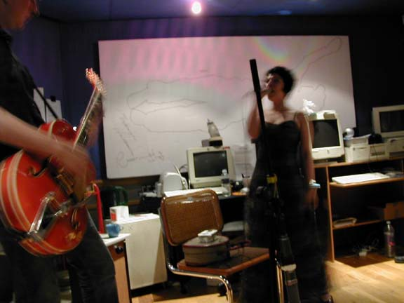 live session on resonance 4th June '03 - pic by Jon Meade